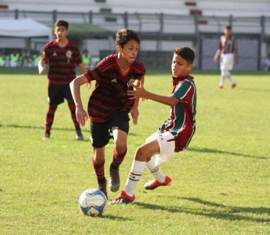 Sub-13 pressiona no tempo normal, perde nos pênaltis e fica com o vice-campeonato da Taça Guanabara