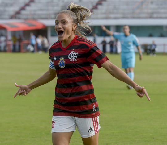Larissa faz três gols e Flamengo/Marinha vence Foz Cataratas/Athletico em casa