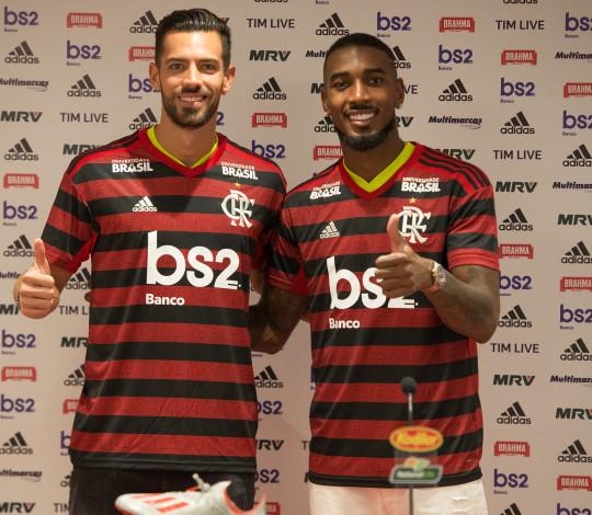 Gerson e Pablo Marí são apresentados oficialmente pelo Flamengo