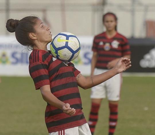 Em confronto direto, Flamengo/Marinha e Corinthians se enfrentam no Pacaembu