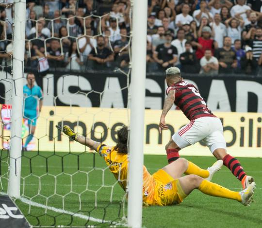 Flamengo empata com o Corinthians, fora de casa, pelo Brasileiro