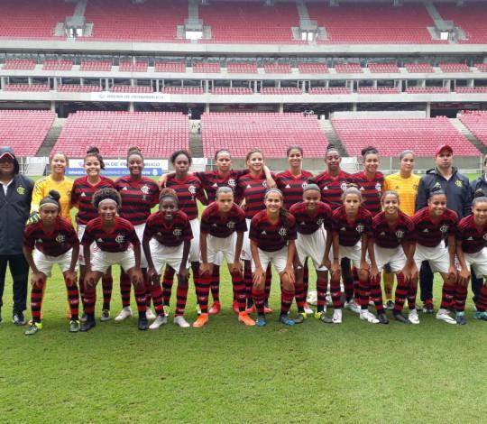 Flamengo vence Vitória-BA, garante liderança e invencibilidade no Brasileirão Feminino Sub-18