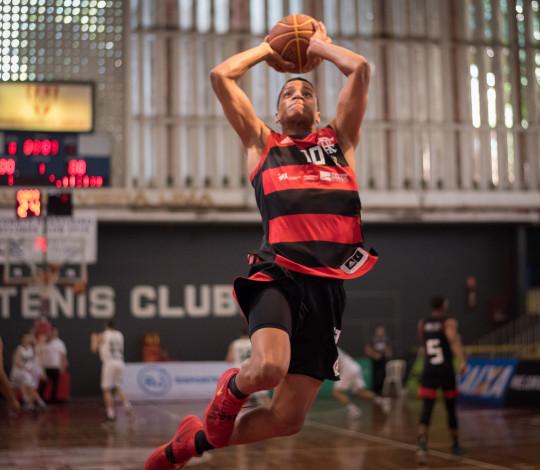 Com ótima atuação coletiva, Flamengo vence União Corinthians na LDB