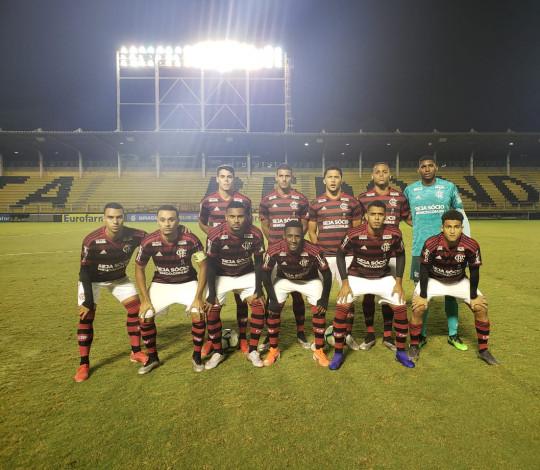 Sub-20 vence o Vasco de virada e é líder isolado do Campeonato Brasileiro