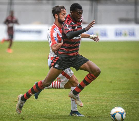 Sub-20 vence o Bangu na Gávea e fica muito próximo das quartas de final da Taça Rio