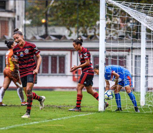 Flamengo/Marinha goleia São Francisco por 5 a 0 e avança para as quartas do Brasileiro Feminino