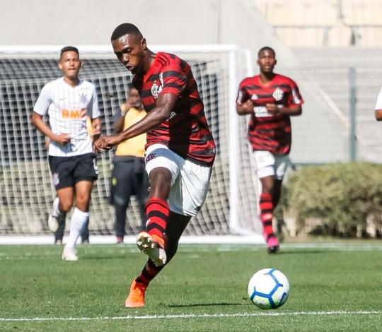 Que virada! Flamengo vence Corinthians por 4 a 3 no primeiro jogo da final do Brasileiro Sub-17