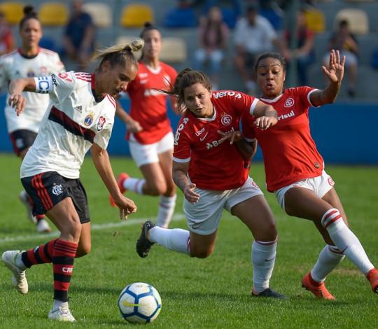 No finalzinho, Flamengo/Marinha empata com o Internacional por 1 a 1 no Brasileiro Feminino