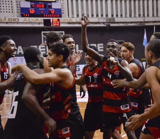 Flamengo bate o Palmeiras e conquista o título do CBI Sub-18
