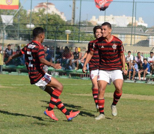 Sub-15 vence o Atlético MG e passa para as quartas de final da Copa da Amizade na liderança do grupo