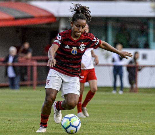 Flamengo/Marinha enfrenta o Corinthians pelo jogo de ida da semifinal do Brasileirão Feminino