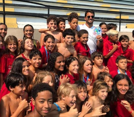 Flamengo é campeão do Circuito Celebridades Petiz e Mirim de Natação
