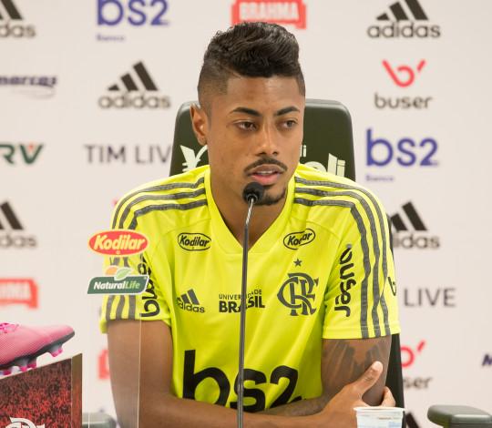 Bruno Henrique destaca evolução do Flamengo