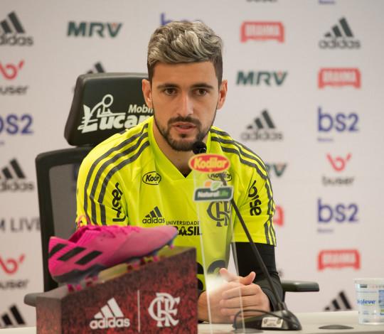 Arrascaeta fala sobre maratona de jogos do Flamengo
