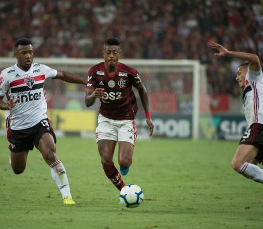 Flamengo fica no empate com o São Paulo, no Maracanã
