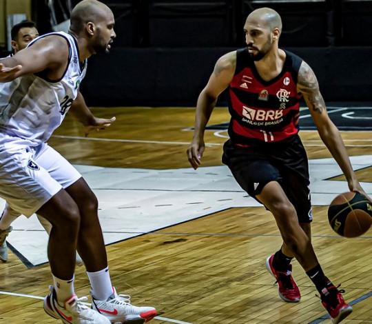 Flamengo perde para o Botafogo por 80 a 79 no segundo jogo da final do Campeonato Carioca