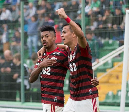 Flamengo vence Chapecoense por 1 a 0 na Arena Condá