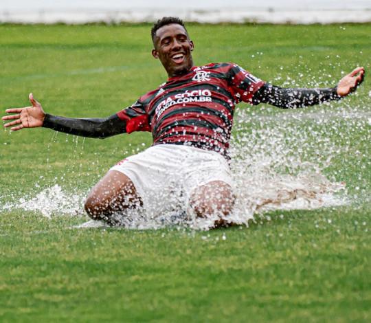 Sub-20 vence o Vasco por 2 a 1 no primeiro jogo da final do Torneio OPG