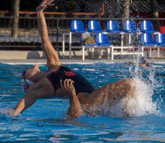 Nado Artístico rubro-negro entra em reta final de preparação para o Campeonato Estadual