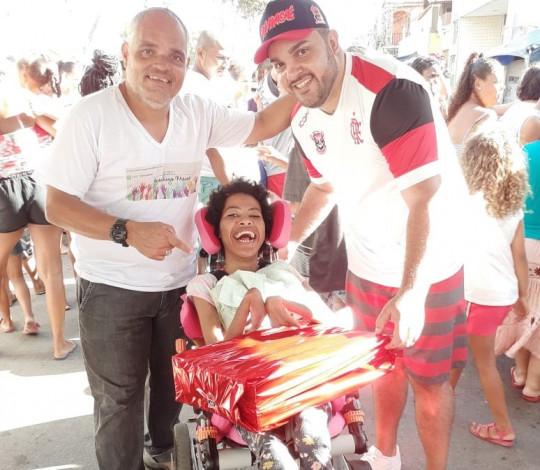 Ação social do dia das crianças realizada pela embaixada Fla Macaé