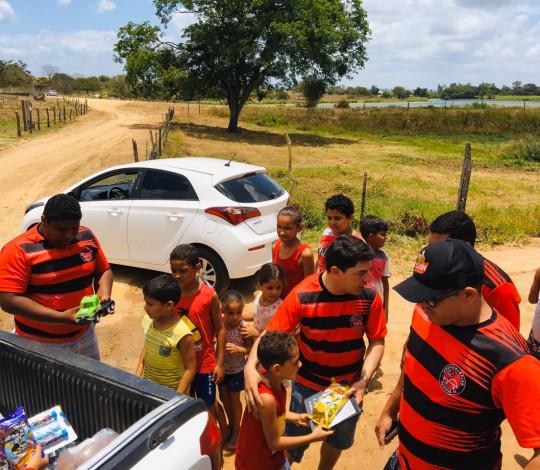 Consulado URUBU DO BAIXO se mobiliza no Dia das Crianças