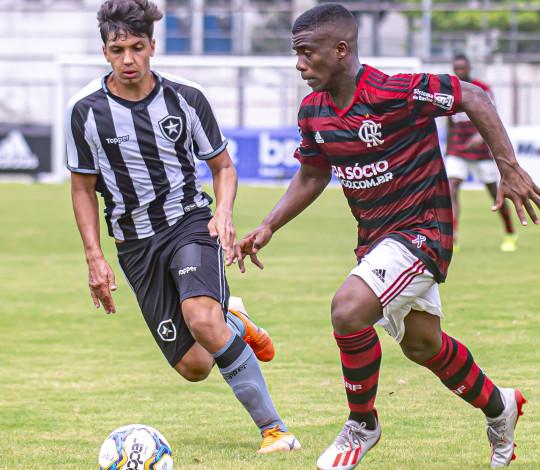Sub-17 empata primeiro jogo da final da Taça Rio com o Botafogo por 0 a 0
