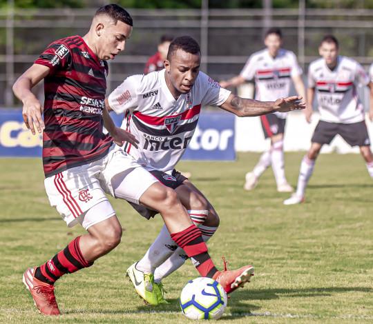 Sub-20 empata em 2 a 2 com o São Paulo e termina primeira fase do Brasileiro na terceira colocação