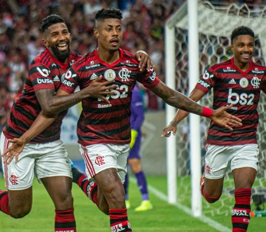 Mengão vence o Fluminense por 2 a 0, no Maraca