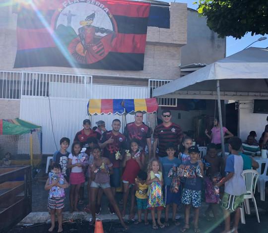 Consulado Fla Serra-ES faz ação social com crianças