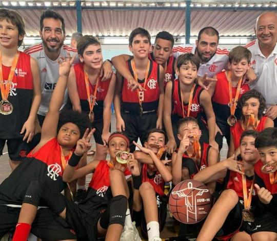 Flamengo é campeão estadual Sub-11 com filho de Marcelinho Machado no plantel