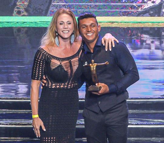 Isaquias Queiroz e irmãos Vela Maggi recebem o Prêmio Brasil Olímpico 2019