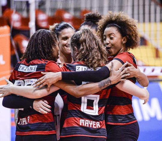 FlaVôlei enfrenta o Curitiba pela Superliga nesta sexta-feira (20)