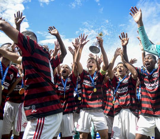 Futebol de base do Flamengo encerra 2019 como o ano mais vitorioso da sua história