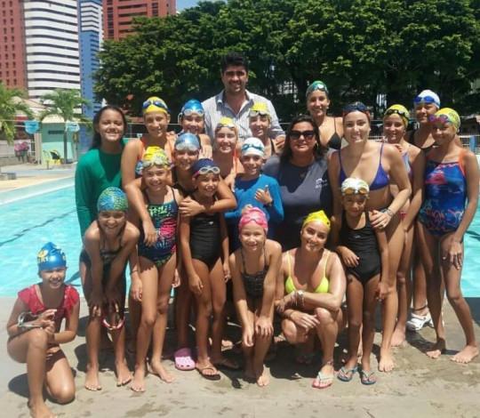Atletas rubro-negras participam de clínica de nado artístico na Paraíba