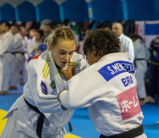 Sarah Menezes realiza treinamento de campo com a Seleção Brasileira na Áustria