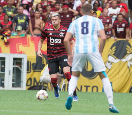 Flamengo empata com o Macaé em 0 a 0 em sua estreia no Campeonato Carioca