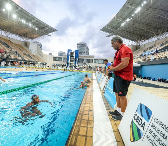 Duda Pereira comemora o retorno de Luiz Altamir e João De Lucca para a natação rubro-negra