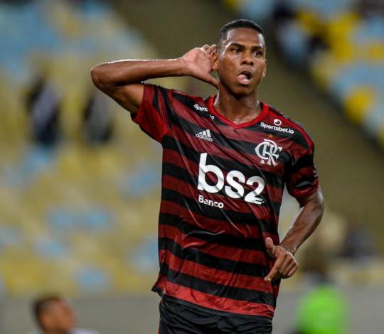 Flamengo vence o Vasco por 1 a 0, no Maracanã, pela Taça Guanabara