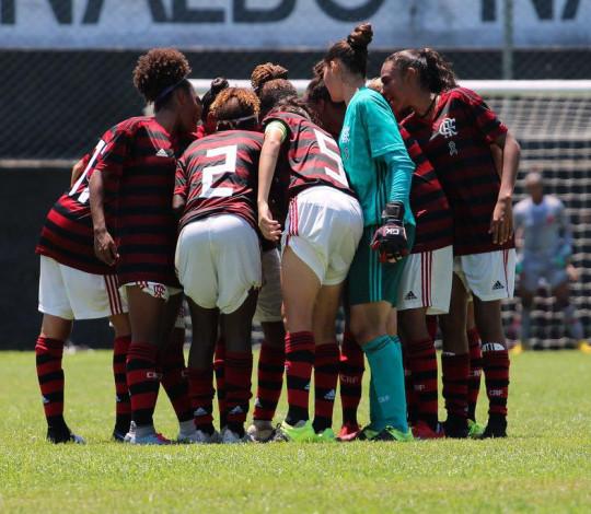Flamengo abre seletiva para as categorias Sub-16 e Sub-18 de futebol feminino