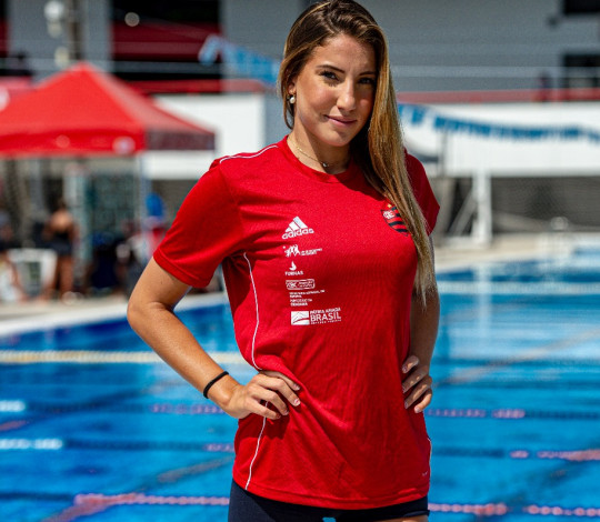 Laura Miccuci embarca para treinamento de campo no Canadá