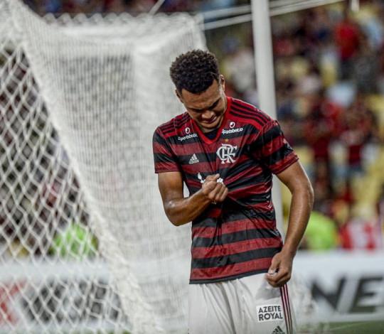 De virada, Mengão vence o Volta Redonda por 3 a 2 no Maracanã