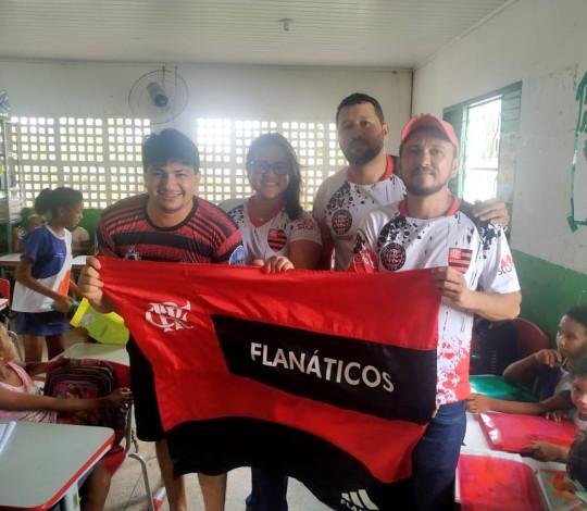"""Consulado Flanáticos ITZ participa da campanha """"Adote um aluno"""""""