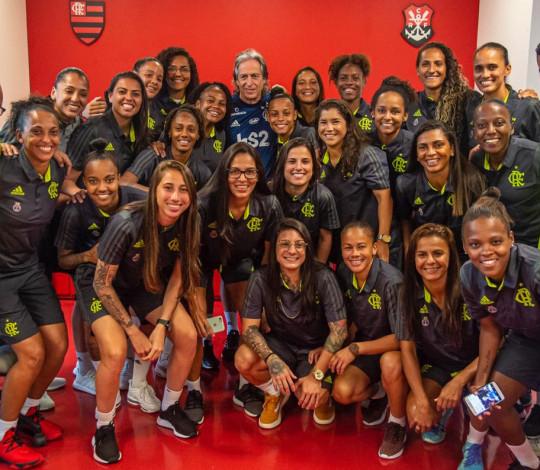 Antes da estreia no Brasileirão Feminino, jogadoras visitam o Ninho do Urubu e conhecem Jorge Jesus