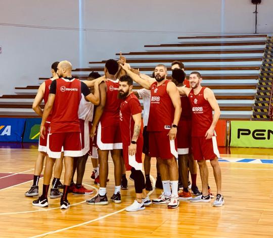 Flamengo treina em SP visando confronto com Paulistano