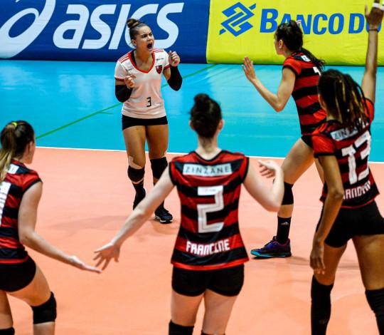 Flamengo vence o Pinheiros por 3 sets a 2 na Superliga