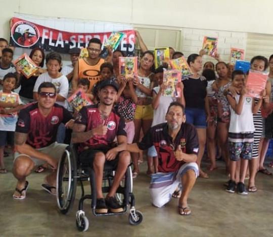 Consulado Fla Serra faz doação do material escolar para o Colégio Feu Rosa