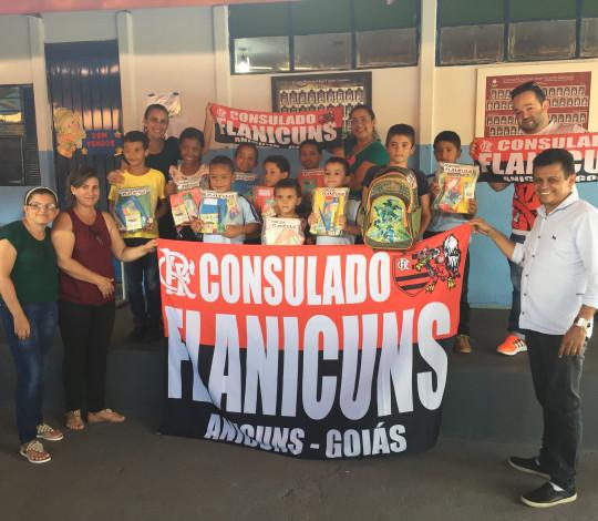 Consulado Flanicuns faz doação a escolas em Goiás
