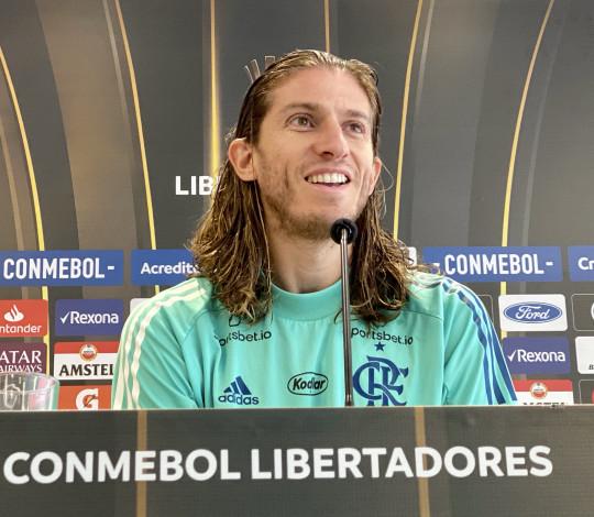 Filipe Luís fala sobre responsabilidade de defender o título da Libertadores