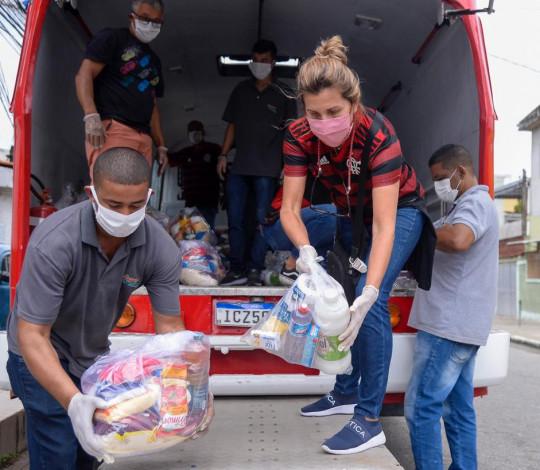Flamengo participa do SOS Favela e doa 640 cestas básicas para Chatuba de Mesquita