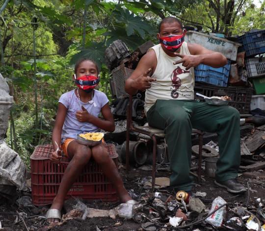Flamengo inicia distribuição de máscaras de proteção do craque De Arrascaeta